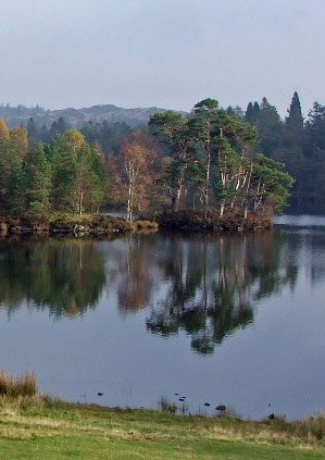 Tarn Howes © Dave Brown