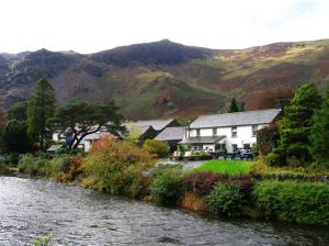 The village of Grange © Iain Jones http://hiking.topicwise.com/doc/cumbriaway2014