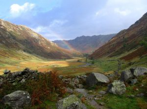 The valley of Langstrath © Iain Jones http://hiking.topicwise.com/doc/cumbriaway2014